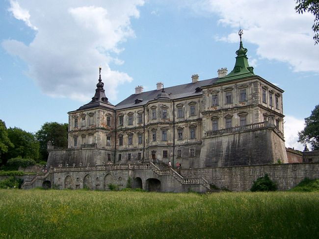 Замок Конецпольских в Подгорцах (Украина).