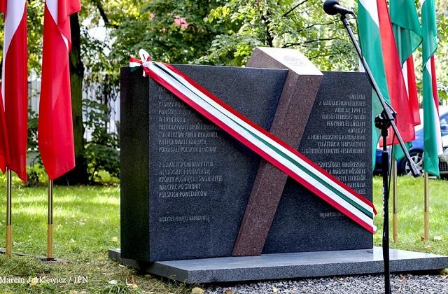 Uroczystość odsłonięcia pomnika pamięci Węgierskich Honwedów, którzy wsparli Powstańców Warszawskich – Warszawa, 19 września 2017