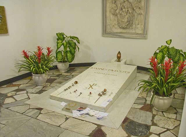 Pope John Paul II's tomb. Photo: Wikipedia/Paweł Rosiak/CC BY-SA 3.0