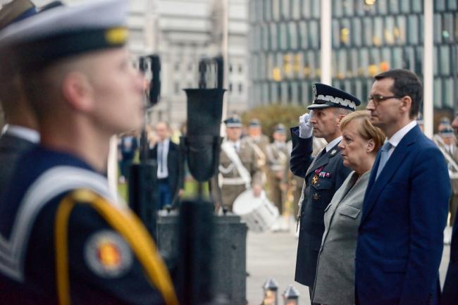 Mateusz Morawiecki (right) and Angela Merkel (second right) in Warsaw. Photo: PAP/Jakub Kamiński