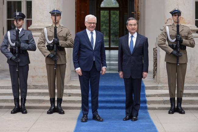 Яцэк Чапутовіч і Чын Ван І у Варшаве