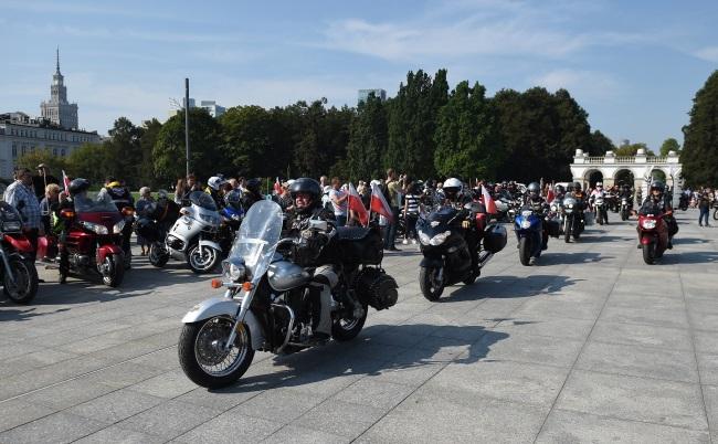 Motorcyclists set off on International Katyn Rally. Photo: PAP/Radek Pietruszka