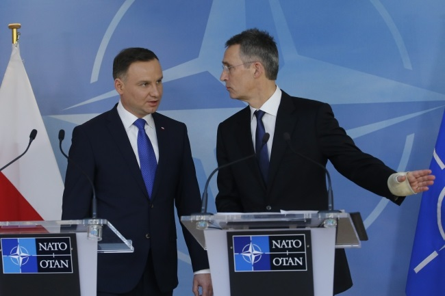 Polish President Andrzej Duda and NATO Secretary General Jens Stoltenberg. Photo: EPA/OLIVIER HOSLET