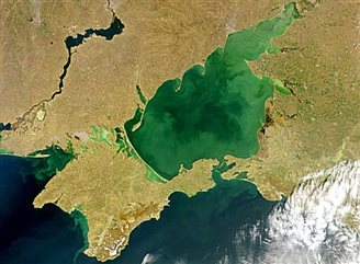 Росія перетворює Азовське море на своє озеро?