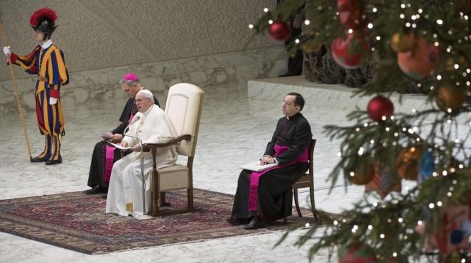 Папа римський Францсик під час генеральної аудієнції перед різдвяними святами