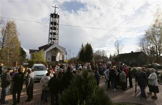 Church shut after parishioners defend progressive priest
