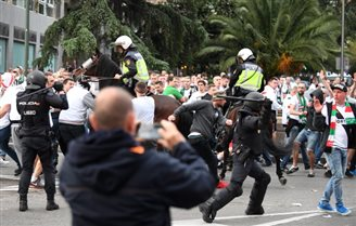 Poland's Legia loses 1:5 to Real Madrid, fans clash with police