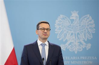 New Polish PM sworn in
