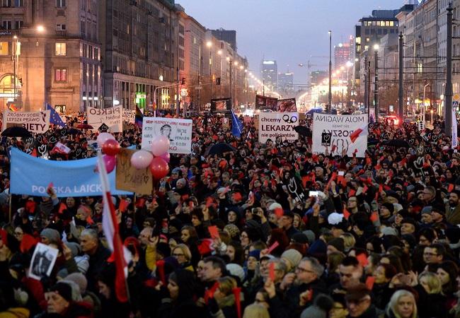 International Women's Day protesters in Warsaw. Photo: PAP/Jacek Turczyk.