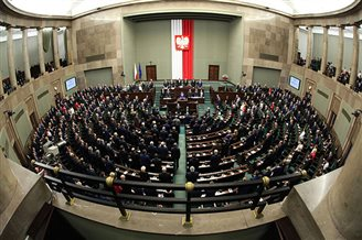 Polish MPs examine planned changes to public media