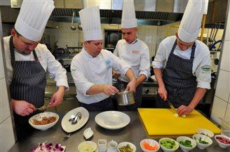 Polish chefs prepare papal feast