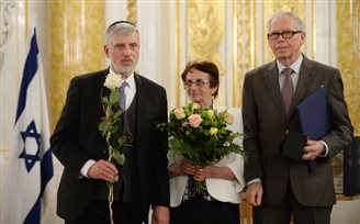 Ten Poles awarded Righteous among the Nations medal