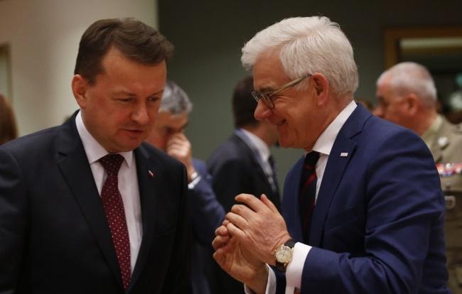 Мариуш Блащак и Яцек Чапутович на встрече министров ЕС в Брюсселе