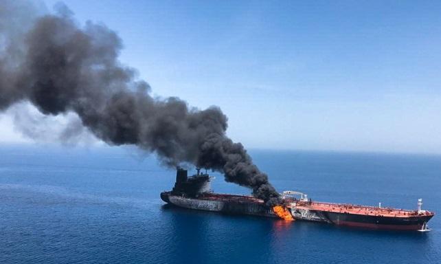 Нефтяной танкер в Оманском заливе