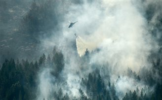 Polish crews help tackle forest fires in Sweden