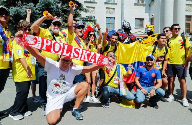 Болельщики Колумбии и Польши
