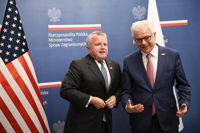 Polish Foreign Minister Jacek Czaputowicz (right) and US Deputy Secretary of State John J. Sullivan (left) meet in Warsaw on Wednesday. Photo: PAP/Radek Pietruszka