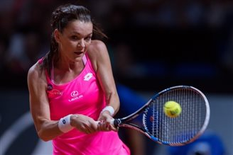 Tennis: Polish star Radwańska into Stuttgart quarter-finals
