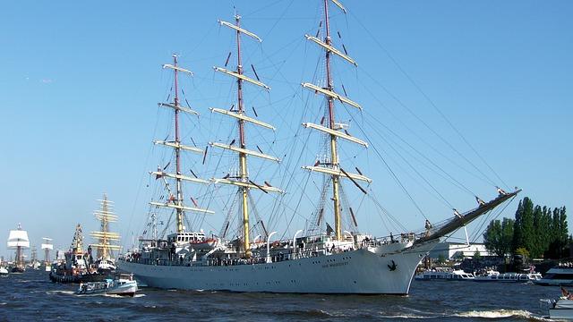 Польський навчальний фрегат «Дар молоді»