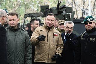 Анджей Дуда встретился с польскими солдатами в Румынии
