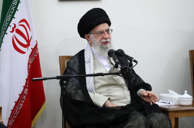 Иранский лидер Али Хаменеи