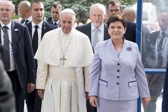 Pope Francis with Polish PM Szydło in July 2016. Photo: KPRM