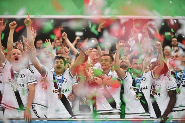 Legia Warszawa celebrates its championship victory. Photo: PAP/Bartłomiej Zborowski.
