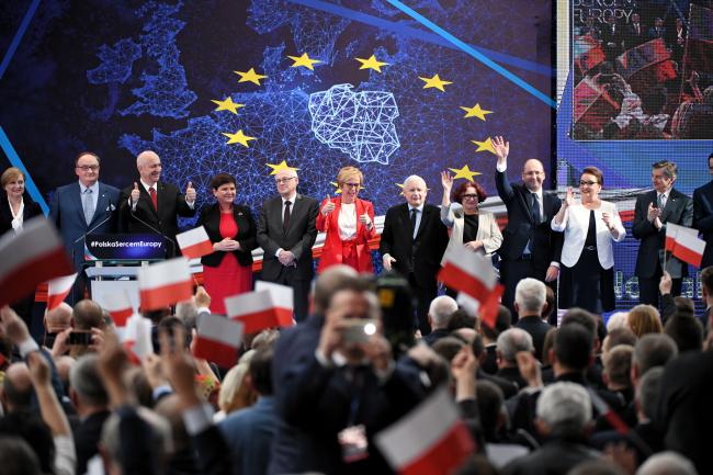 Польська керівна партія відкрила кампанію перед виборами до ЄП