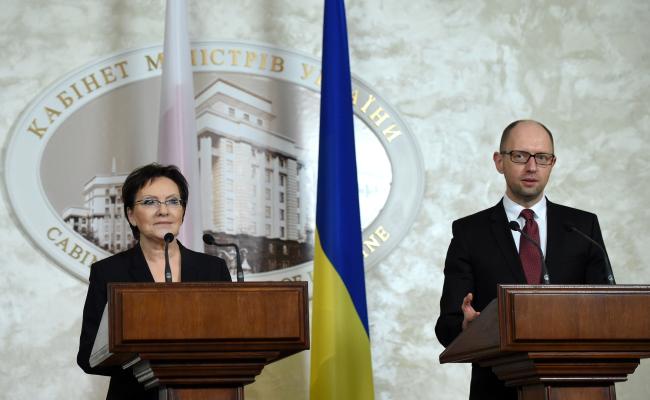 Prime Minister of Poland Ewa Kopacz (L) and Prime Minister of Ukraine Arseniy Yatsenyuk (R). Photo: PAP/Radek Pietruszka