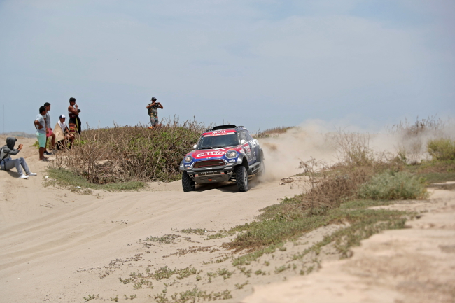 Polish driver Jakub Przygoński of Orlen X-Raid team competes in his Mini All4 Racing during the third stage of the Dakar Rally from San Juan de Marcona to Arequipa, Peru. Photo: EPA/ERNESTO ARIAS