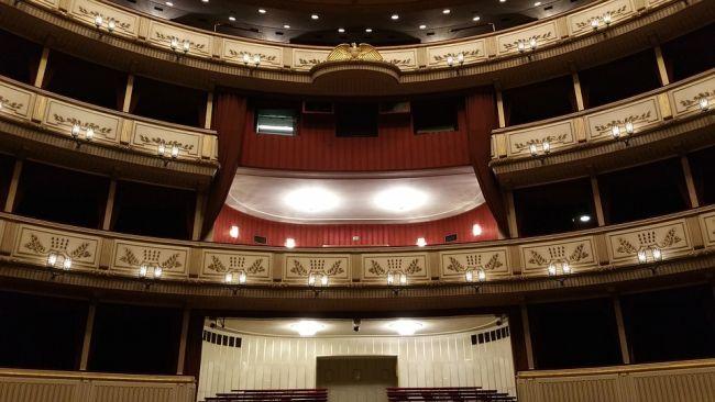 Оперный театр в Вене. На его сцене не раз выступали польские таланты.