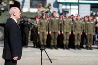 Мацєревич до військових НАТО: Ви захищаєте наш регіон від небезпеки зі сходу