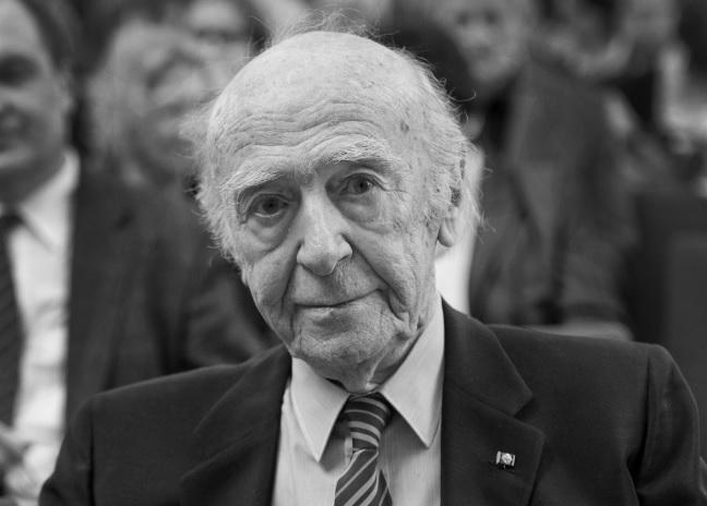 Kein anderer hat sich in den letzten Jahrzehnten so stark für die polnische Kultur eingesetzt wie Karl Dedecius.