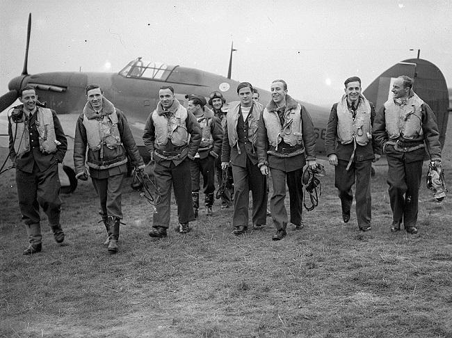 Piloten des des berühmten Geschwaders 303.