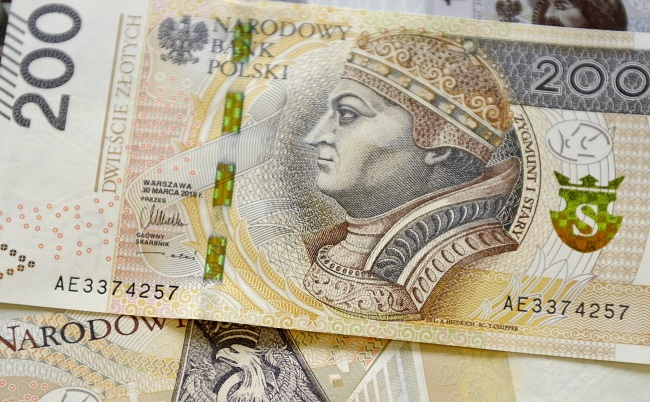 The new PLN 200 banknote. Photo: PAP/Darek Delmanowicz