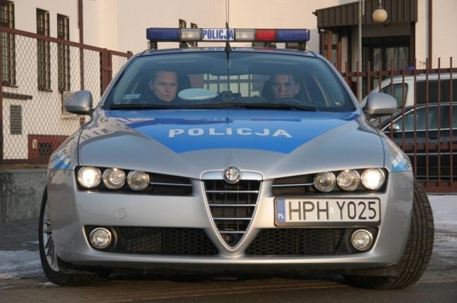 Патруль у аўтамабілі Alfa Romeo 159 дарожнай паліцыі Польшчы