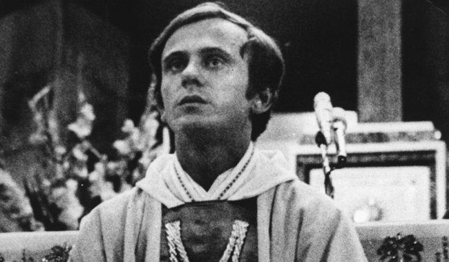 Father Jerzy Popiełuszko. Photo: wikimedia commons