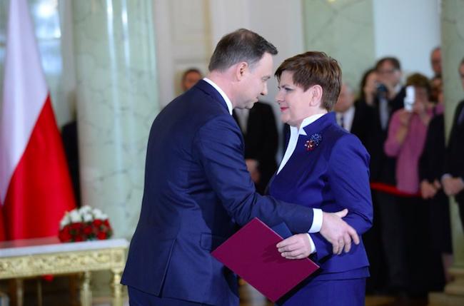 Президент Польши Анджей Дуда (слева) и премьер-министр Польши Беата Шидло