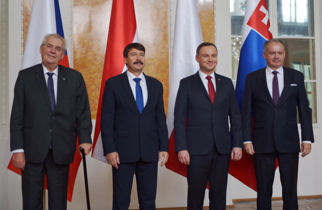 (L-R) Czech President Milos Zeman, Hungary's Janos Ader, Poland's Andrzej Duda and Slovakia's Andrej Kiska in Łańcut on Friday.Photo: PAP/Darek Delmanowicz