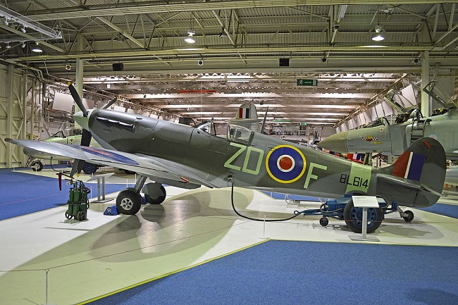 Supermarine Spitfire Vb 'BL614 / ZD-F'. Photo: Alan Wilson, [CC BY-SA 2.0 (http://creativecommons.org/licenses/by-sa/2.0)], via Wikimedia Commons