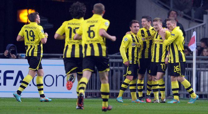 Radość piłkarzy Borussii Dortmund po golu z Ajaxem Amsterdam