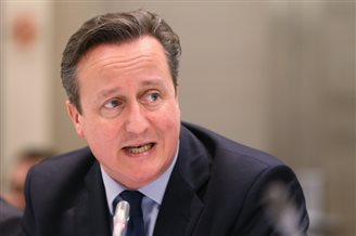 Cameron to visit Warsaw on Friday