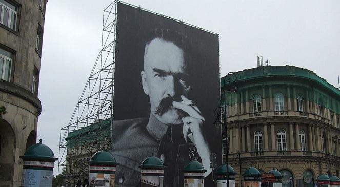 Юзеф Пилсудский — польский военный, государственный и политический деятель, первый глава возрожденного Польского государства, основатель польской армии
