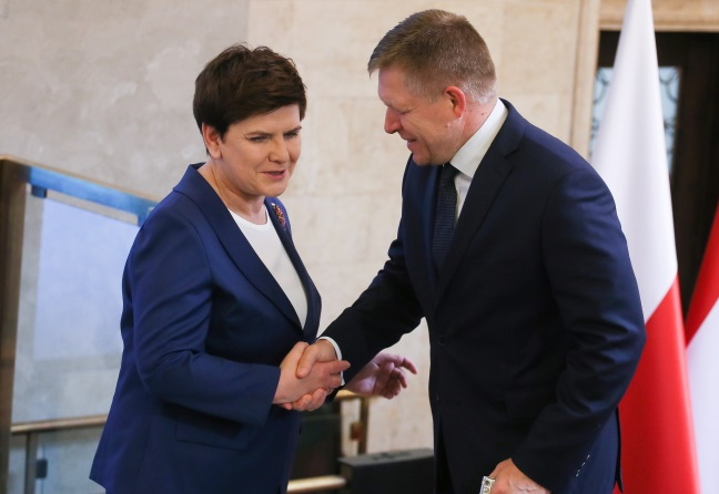 Polish PM Beata Szydło (left) and Slovakia's Robert Fico. Photo: PAP/Paweł Supernak