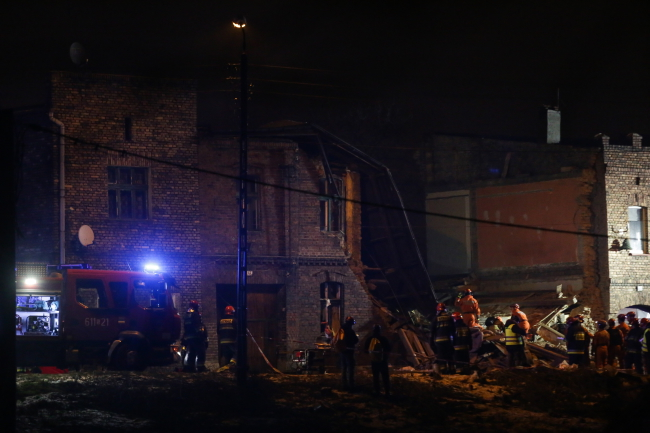 Emergency services at the scene in Sosnowiec. Photo: PAP/Dominik Gajda