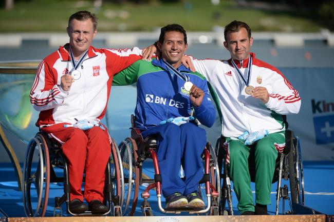 Jakub Tokarz (L) with Brazylian Luis Cardoso da Silva (C) and Hungarian Robert Suba (R). Photo: PAP/Bartłomiej Zborowski