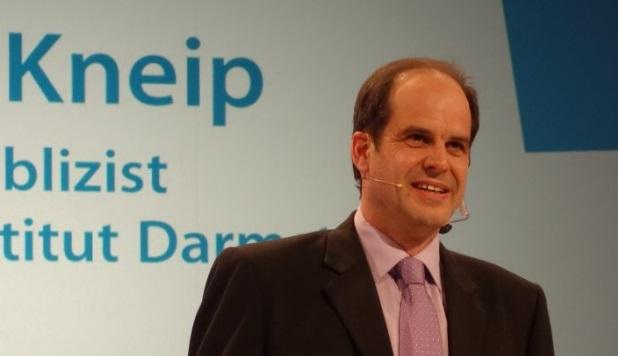 Dr. Matthias Kneip