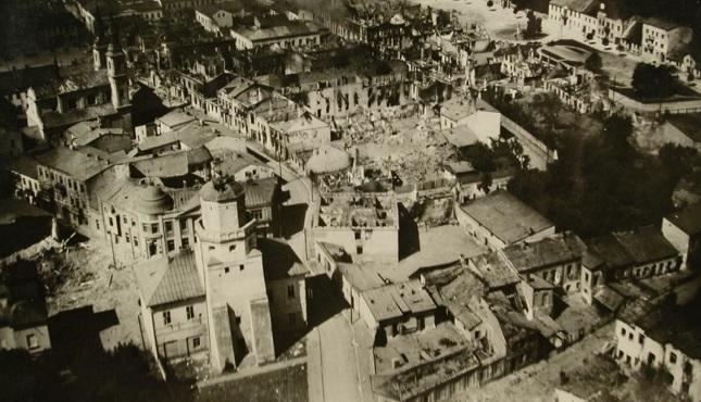 Um 4.20 Uhr am Morgen des 1. September 1939 fielen ohne Warnung Bomben auf die zentralpolnische Stadt Wieluń.