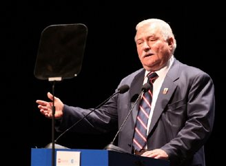 Poland likely to face 'revolution': Wałęsa