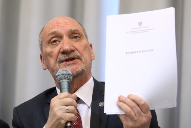 Antoni Macierewicz, head of a commission probing the 2010 Polish presidential plane crash. Photo: PAP/Paweł Supernak